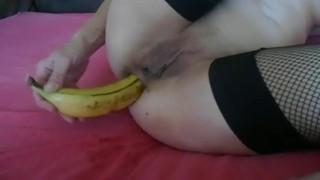 Amatőr Anyuka Banánnal Izgatja Punciját És Popsiját